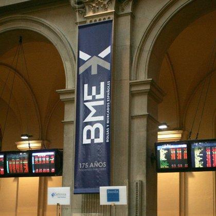 El Ibex 35 sube un 0,9% en la apertura y se coloca por encima de los 13.500 puntos