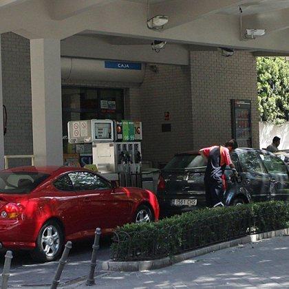 PSOE reclama al Ayuntamiento que construya 20 gasolineras para repostar combustible ecológico