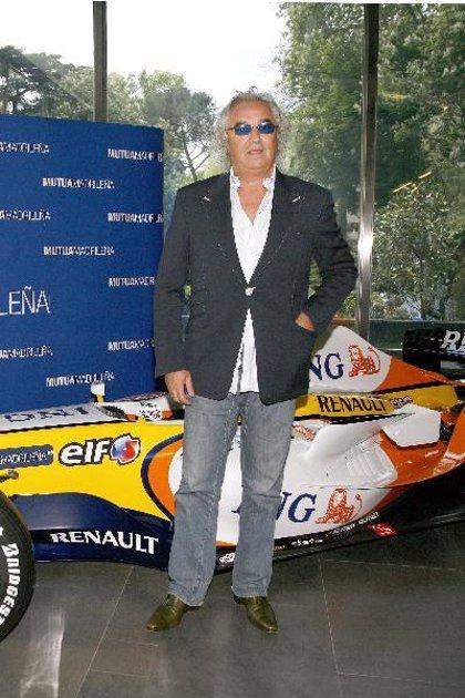 """Briatore: """"Alonso estaba pilotando de una forma impecable"""""""