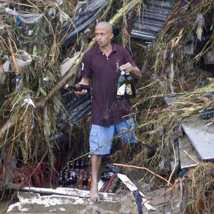 Al menos cuatro personas mueren después de que el ciclón Nargis arrasara Rangún