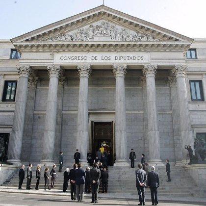 Los restos del ex presidente llegarán mañana a mediodía a Ribadeo, donde será enterrado