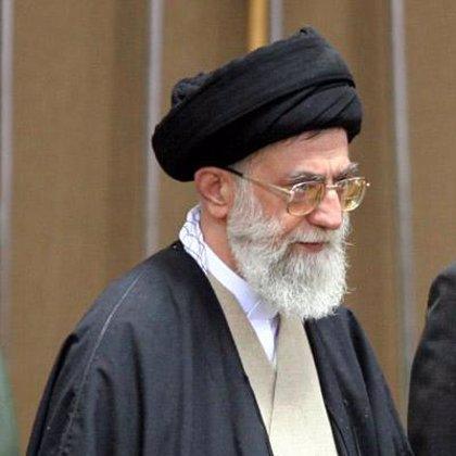 """Jamenei asegura que Irán """"no cederá en sus derechos"""" a pesar de las """"amenazas"""" de las potencias """"arrogantes"""""""