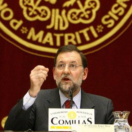 """Rajoy dice que se da """"un paso adelante"""" si Zapatero no está de acuerdo con Ibarretxe"""