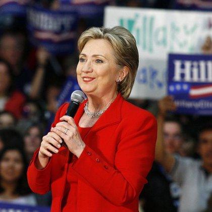 Clinton elogia a Obama pero evita reconocer su derrota y asegura que hoy no tomará ninguna decisión futura