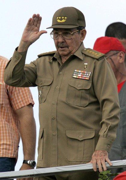 Raúl Castro cumple 77 años, 100 días después de convertirse en presidente