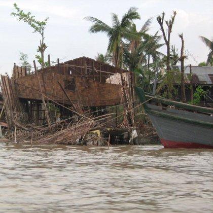 Los barcos estadounidenses abandonan Birmania después de que su ayuda fuese rechazada