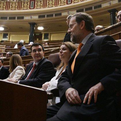 """Santamaría acusa a Zapatero de responder a Ibarretxe """"vuelva usted mañana"""" y De la Vega reitera que no habrá consulta"""