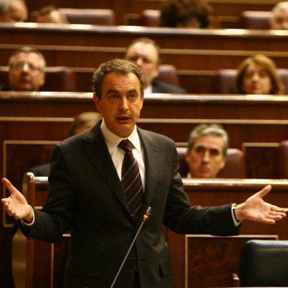"""Zapatero afirma que el superávit """"no se tiene para meter en un arcón"""", sino para ayudar a los ciudadanos"""