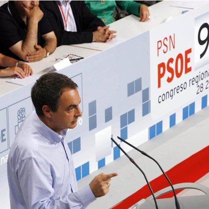 """Zapatero asegura que no aplicará las """"recetas"""" de la derecha, como """"decretazos"""", para frenar la crisis"""