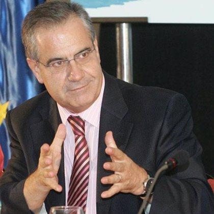 Corbacho irá al Congreso el día 22 para explicar el impacto de la crisis en el empleo