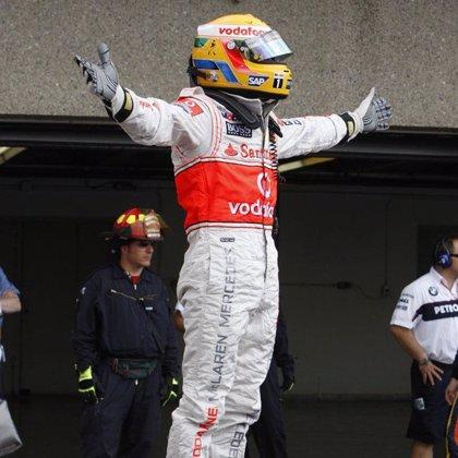Hamilton logra su tercera 'pole' de la temporada y Alonso saldrá quinto