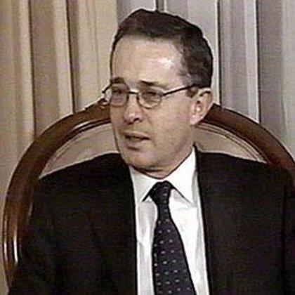 Uribe anuncia que Colombia ingresará al Consejo de Seguridad de Suramérica (Unasur)