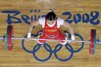 La china Chen Xiexia logra el oro en 48 kilos
