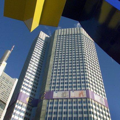BCE constata la elevada incertidumbre sobre el crecimiento, que se contrajo 0,2% en segundo trimestre