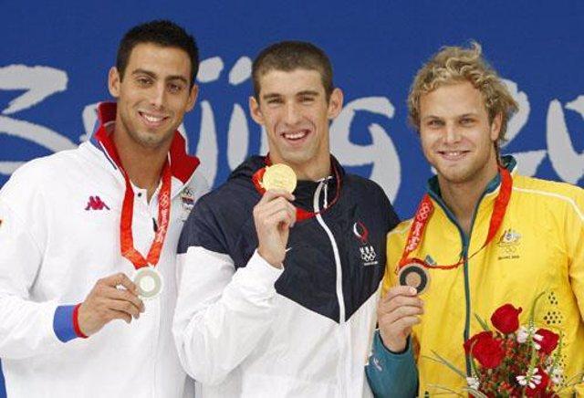 Phelps en el podio junto a Cavic y Lauterstein