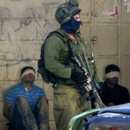 El Gobierno israelí aprueba la liberación de cerca de 200 presos palestinos como gesto hacia Abbas