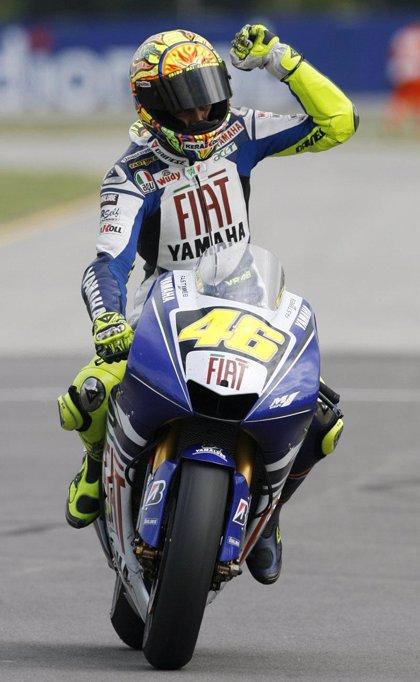 Rossi (Yamaha) se acerca al título tras la caída de Stoner (Ducati) en Brno