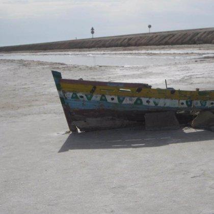 Una embarcación con 63 inmigrantes, seis de ellos menores, llega a Playa Santiago