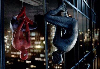 Sam Raimi y Tobey Maguire firman para 'Spiderman 4'