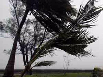 El huracán 'Ike' llega al noreste de Cuba