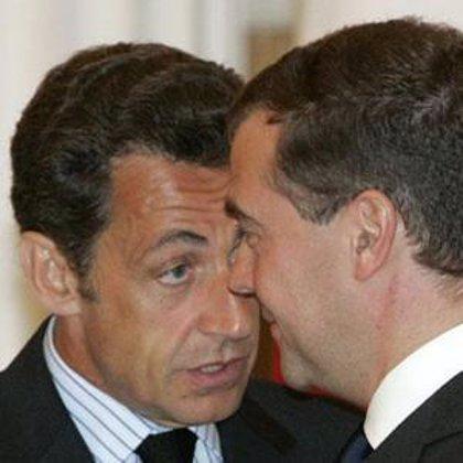 Sarkozy pedirá hoy a Medvedev que cumpla el plan de paz o se arriesgue a dañar su relación con la UE