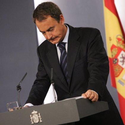 """Zapatero avisa de que el destino de los etarras son """"larguísimas penas de prisión"""" y valora la unidad frente a ETA"""