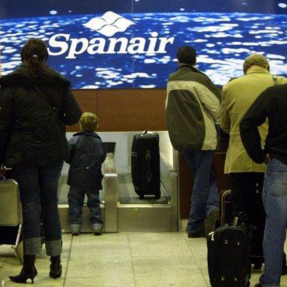 Spanair opera mañana su último vuelo entre Asturias y Madrid