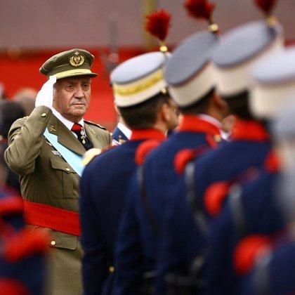 La llegada de los Reyes da inicio a la parada militar de la Fiesta Nacional