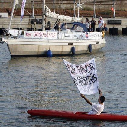"""El barco regresa a Valencia tras practicar los tres abortos previstos en aguas internacionales """"con normalidad"""""""