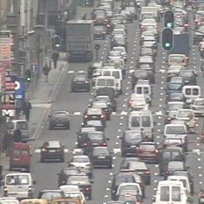 Reducir la contaminación atmosférica en Madrid, Bilbao y Sevilla evitaría unas 3.700 muertes anuales, según Soria