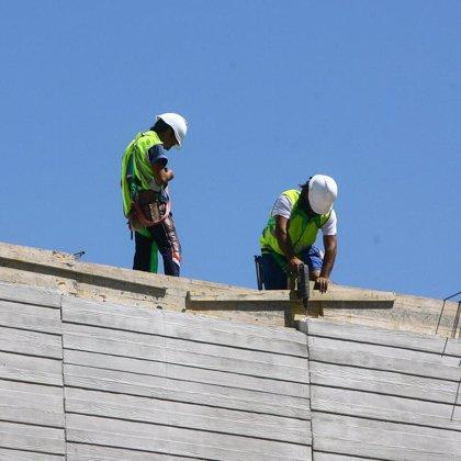 La CEOE calcula que el número de parados superará los tres millones en los primeros meses de 2009