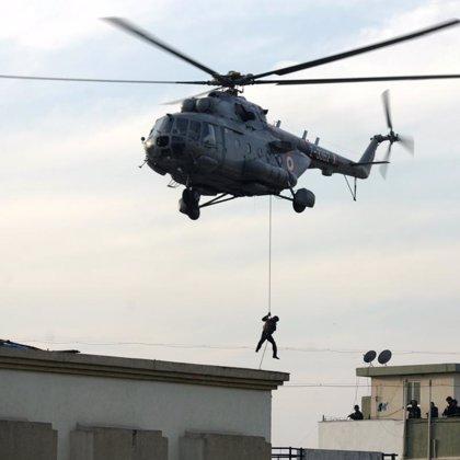 Concluye la operación militar en el hotel Taj Mahal con tres terroristas y un soldado muertos