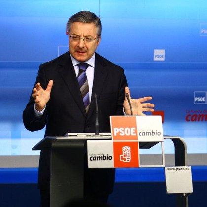 """Blanco afirma que el PSOE no se mueve por la máxima """"de sálvese quien pueda como el PP de Aguirre"""""""