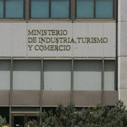 Industria remitirá esta semana a la CNE su propuesta de subida de tarifas eléctricas para enero