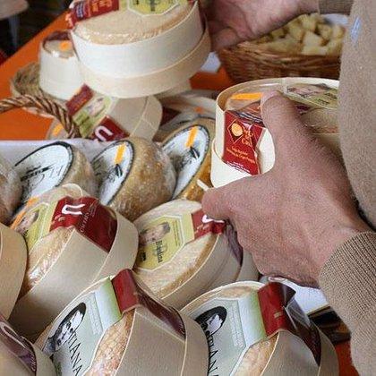 Un estudio español constata que las bacterias del queso de cabra artesanal podrían ser beneficiosas para la salud