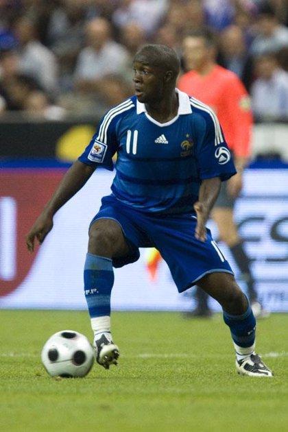 El Real Madrid negocia con el Portsmouth el traspaso de Lassana Diarra