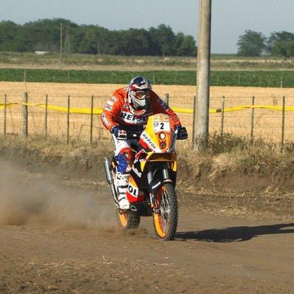 Marc Coma mantiene el liderato en motos pese a su noveno puesto en la quinta jornada