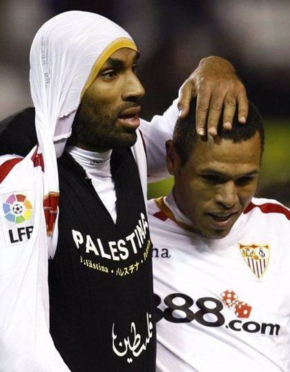 Un Sevilla superior deja vivo al Deportivo