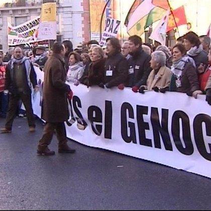 """Miles de personas se manifiestan en Madrid contra """"el genocidio"""" en Gaza"""