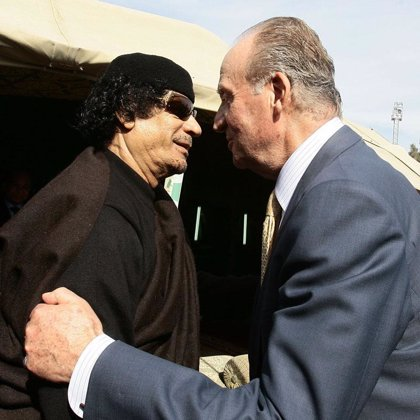 El Rey destaca desde Libia las posibilidades de cooperación económica entre ambos países