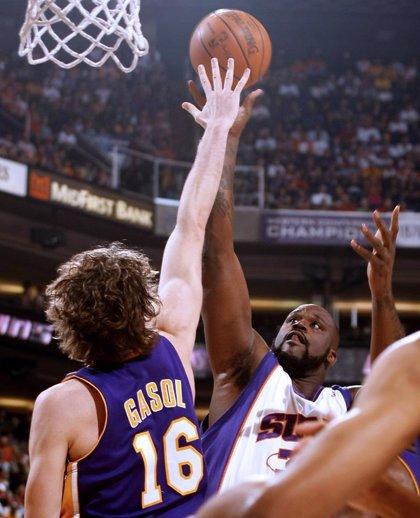 O'Neal permite a los Suns vengarse de los Lakers de Gasol y Bryant