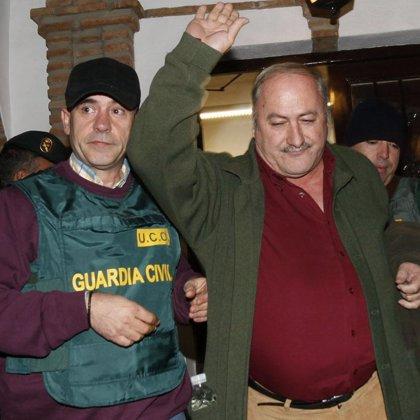 Cuatro de los detenidos pasan a disposición judicial y el alcalde y el arquitecto están en la Comandancia