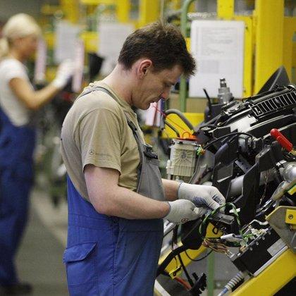 La facturación y los pedidos de la industria arrancan 2009 con caídas históricas, cercanas al 30%