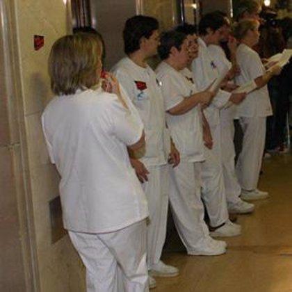 Dos de cada tres de los médicos españoles sufre insultos y amenazas