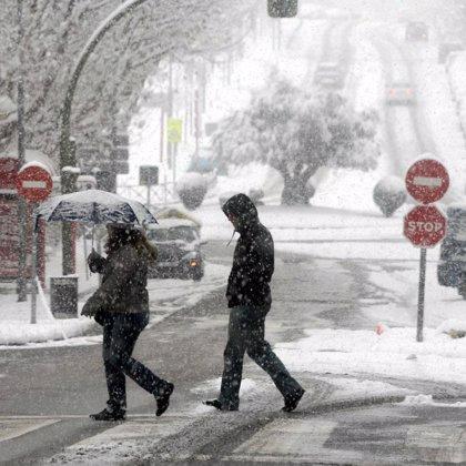 Doce comunidades en alerta por riesgo de lluvias y nevadas, de hasta 15 cm en zonas como el Pirineo navarro y oscense
