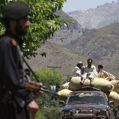 El Gobierno paquistaní levanta temporalmente el toque de queda en Swat para permitir la salida de más civiles