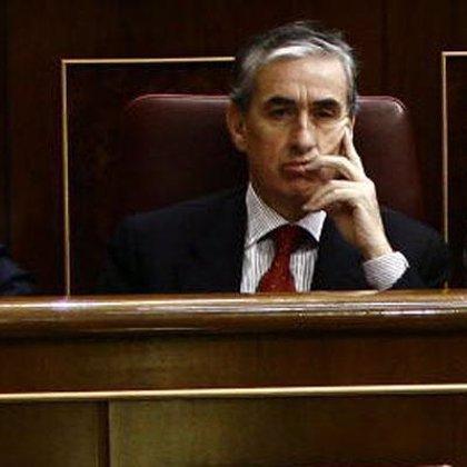 """Jáuregui denuncia que la """"estrategia"""" del PP es que """"la crisis acabe con el Gobierno de Zapatero"""""""