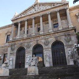 Exterior de la Biblioteca Nacional de Madrid