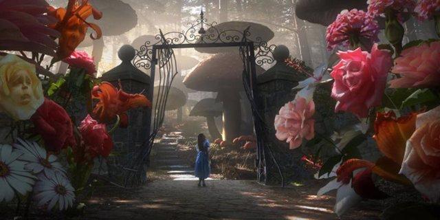 Imagen de Alicia en el País de las Maravillas de Tim Burton