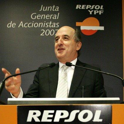 Repsol reconoce que ha recibido propuestas para entrar en YPF